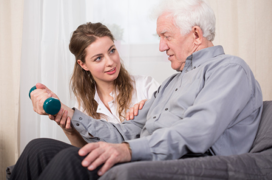 The Benefits of an In-home Caregiver