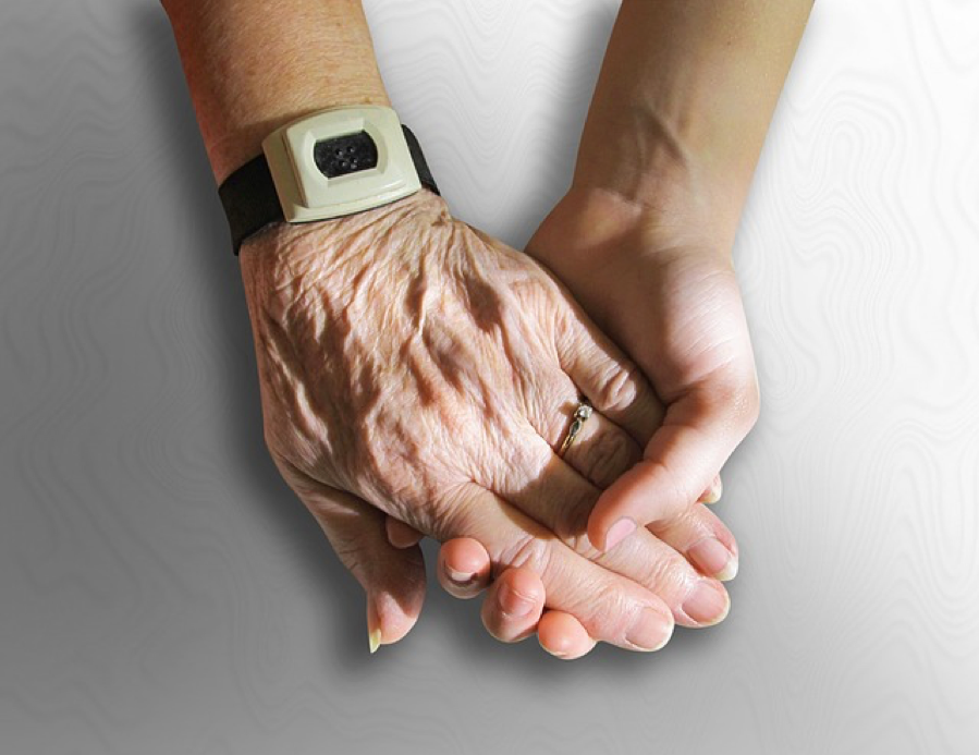The Benefits of a Live-In Caregiver
